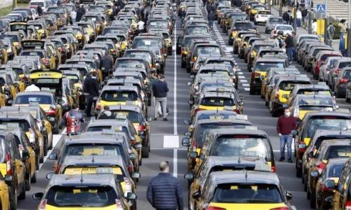 ¡Únete a la Caja de Resistencia del Taxi!